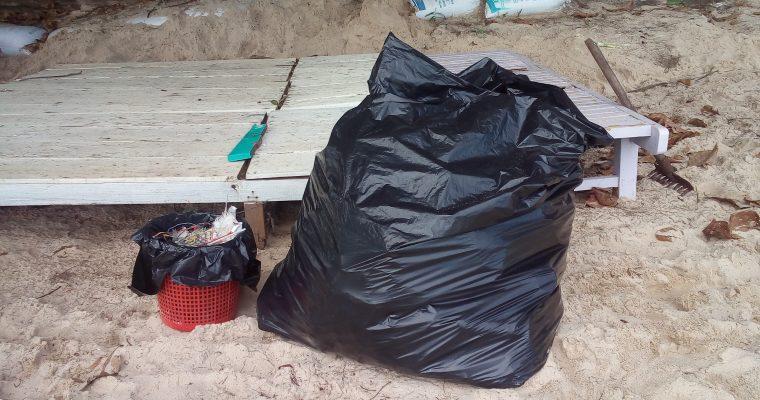 Cambodia #4 – Beach cleanup
