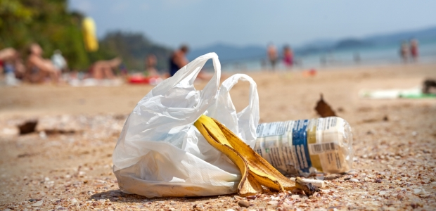 Sign to ban all plastic bags in the United Kingdom